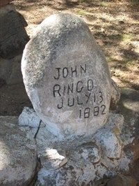 Johnny Ringo ~ A solitary gravesite on a private ranch in Southeastern Arizona; buried where he was found dead. The life of Johnny Ringo has taken on almost mythical status in the lore of the American Wild West. Old West Outlaws, Westerns, Johnny Ringo, Famous Tombstones, Old West Photos, Tombstone Arizona, Old Cemeteries, Graveyards, Wyatt Earp