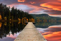 Autumn Sunset in Gardom Lake | Canada (by Sarah Cederholm