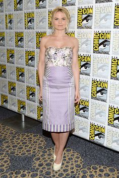 Best Dressed This Week: 26/07/13 | Jennifer Morrison wearing Philosophy at the Once Upon A Time press line at Comic Con #BestDressed | styloko.com