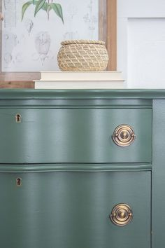 Painted Dresser – Vintage Upcycle | The Honeycomb Home | Bloglovin'