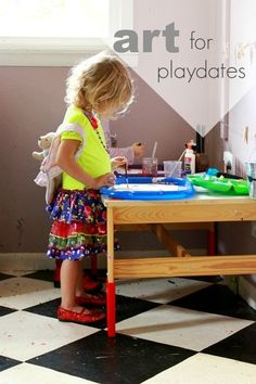 How to set up an art play date for your kid and their friend. Such a fun way to foster creativity and imagination!