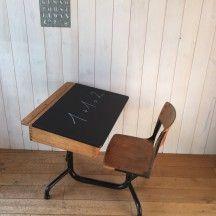 Bureau pupitre en bois pour enfant #bureau #occasion #vintage #bois #enfant…