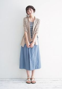 Stripe undershirt+brown jacket+ denim skirt