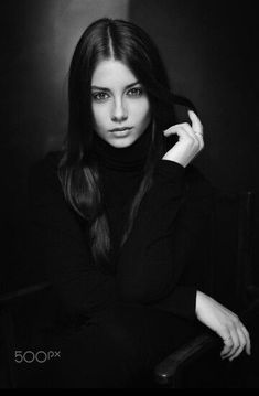 Amazing Black and White Portrait Photography - . Amazing Black and White Portrait Photography - Amazing Black and White Portrait Photography - . 100 Best Hairstyles for 2020 Foto Portrait, Portrait Photography Poses, Black Photography, Photography Poses Women, Beauty Photography, Amazing Photography, Photography Backdrops, Photography Ideas, Photography Books
