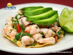 #gastronomiademexico Degusta las tradicionales tostadas de camarón en Coco Loco Acapulco. GASTRONOMÍA DE MÉXICO. Uno de los restaurantes donde las tradicionales tostadas de camarón son más sabrosas, es Coco Loco de Acapulco, pues las acompañan con bastante aguacate y diferentes salsas que te encantarán. Si deseas obtener más información, te invitamos a visitar la página oficial de Fidetur Acapulco.