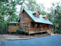 log cabins with hot tubs | Helen Georgia Cabin Rentals Blog