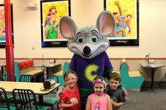 How To Go All Out With A Chuck E. Cheese's Birthday Party