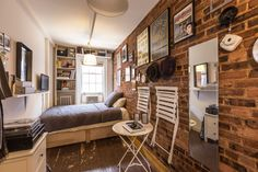 how a new yorker lives in 90 sq feet of space