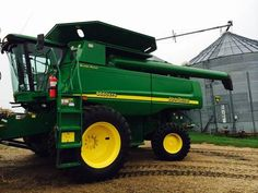 2006 John Deere 9660 STS Combine for sale by owner on Heavy Equipment Registry  http://www.heavyequipmentregistry.com/heavy-equipment/15379.htm