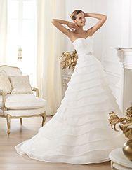 Pronovias > Pronovias presents the Lasei wedding dress. Glamour 2014.