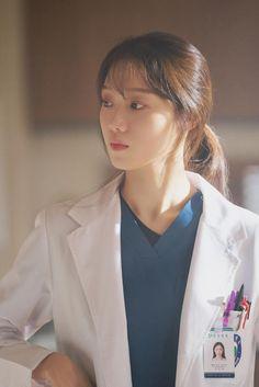Korean Babies, Korean Girl, Korean Celebrities, Korean Actors, Lee Sung Kyung Doctors, Doctors Korean Drama, Yg Artist, Romantic Doctor, Weightlifting Fairy Kim Bok Joo