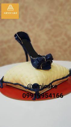 کیک کفش دست ساز  وزن ۴ کیلو High Heel Cakes, Cake Toronto, Kitten Heels, High Heels, Shoes, Fashion, Moda, Zapatos, Shoes Outlet