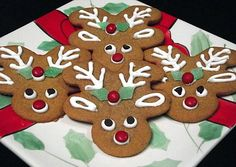 How cute are these. Gingerbread men cookies decorated as reindeer. adorable