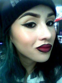 Dark makeup chola look or whatver yu wanna call it .instagram (Zombdie13)