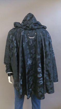 Vivienne-westwood-noir-ou-vert-manteau-de-pluie-Poncho-neuf-authentique-taille-S-ou-M