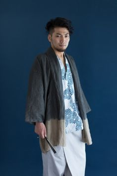 SOU SOU Men's Linen Haori Jacket. Each piece is dyed by hand by Kyoto local…