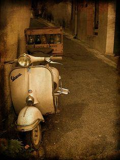 my scooter vespa Piaggio Vespa, Lambretta Scooter, Vespa Scooters, Vespa Girl, Scooter Girl, Fiat 500, Motos Vespa, Classic Vespa, Fiat Panda