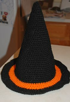 Very cute witch crochet hat! Free pattern on the website.