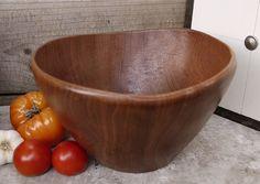 Saladier Design danois en teck / Salad Bowl par LaMachineaBrocantes