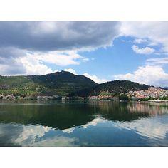 74 отметок «Нравится», 19 комментариев — Марина (@malinaklubnikina) в Instagram: «Касторья маленькая Швейцария 💛 тут я бегала по берегу за пеликанами и ныряющими двурогими уточками…»