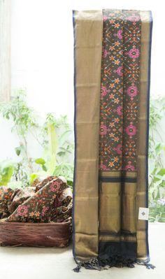 Kanchivaram Ikkat Silk L03499 | Lakshmi