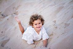 Los niños al aire libre son más niños Al aire libre todos nos sentimos más libres pero sobre los niños, corren, juegan, saltan y disfrutan más que en casa.