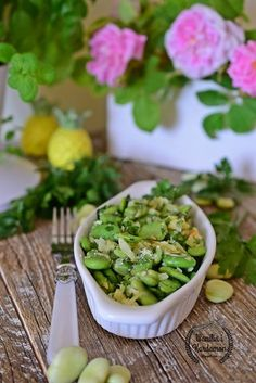 Wanilia i Kardamon: Bób smażony na maśle z czosnkiem Sprouts, Green Beans, Grilling, Salads, Bob, Vegan, Vegetables, Cooking, Party