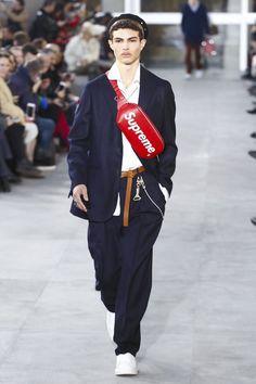 @LouisVuitton x Supreme | #PFW | #FW2017 | #Menswear
