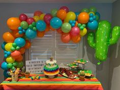 Diy Garland, Balloon Garland, Balloons, Diy Balloon, Balloon Arch, Mexican Birthday Parties, Mexican Party Decorations, Fiesta Theme Party, First Birthdays