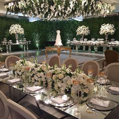 Ivy Grapes Wedding inspiration for that big day. Ivy Grapes provides the best white wine glasses mad Fun Wine Glasses, White Wine Glasses, Wedding Reception Design, Wedding Decorations, Table Decorations, Wedding Trends, Wedding Ideas, Dream Wedding, Wedding Inspiration