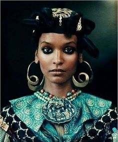 Liya Kebede as African Queen. Photo by Paolo Roversi for the New York TImes Style Magazine. Paolo Roversi, Ethnic Fashion, African Fashion, African Style, African Dress, Liya Kebede, Image Fashion, Fashion Fashion, African Models
