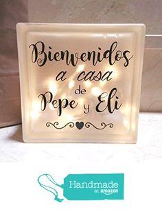 "Lámpara personalizada ""Bienvenidos a casa"" de Miss Manitas https://www.amazon.es/dp/B01LXA6GL0/ref=hnd_sw_r_pi_dp_OWI6xb7SX2H5E #handmadeatamazon"