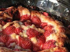 Gâteau aux fraises...un incontournable à essayer! #gâteau #fraise #dessert #été