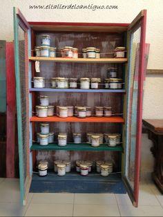 7-alacena-con-palets Diy Kitchen, Bathroom Medicine Cabinet, Ideas Baratas, Liquor Cabinet, Storage, Furniture, Home Decor, Cupboard Shelves, Drawers