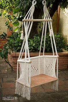 Handmade Macramé Adult Chair Ecru-cream by HangAHammock on Etsy Macrame Design, Macrame Art, Macrame Projects, Macrame Knots, Project Projects, Macrame Hanging Chair, Macrame Chairs, Macrame Curtain, Macrame Tutorial