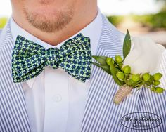 Navy & Apple Green Wedding Party.  http://www.marygphotography.com/