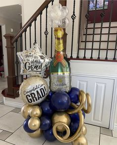 Balloon Decorations, Balloon Ideas, Balloon Bouquet Delivery, Congratulations Graduate, Shooting Stars, Birthday Parties, Balloons, Graduation, Sculptures