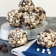Cookies and Cream Popcorn Balls: Recipe developed by bloggers Anna and Lisa from Garnish with Lemon