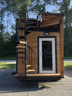 Brand New Model with Rooftop Deck (Handrails Fold for Transport) - Tiny House fo. Brand New Model with Rooftop Deck (Handrails Fold for Transport) - Tiny House for Sale in Vancouver, British Columbia - Tiny House Listings Best Tiny House, Modern Tiny House, Small House Design, Small Tiny House, Building A Tiny House, Tiny House Plans, Tiny House On Wheels, Tiny House Exterior Wheels, Tiny House Company