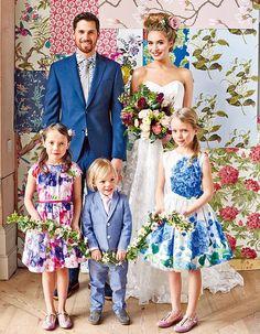 ゲストのドレスコードを「花柄」に統一し、ウエディングパーティをさらにフォトジェニックに盛り上げる演出も。
