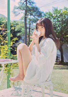 Female Pose Reference, Pose Reference Photo, Beautiful Japanese Girl, Beautiful Asian Girls, Fashion Model Poses, Poses References, Figure Poses, Shooting Photo, Cute Asian Girls