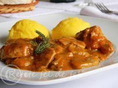 TOCANITA DE CIUPERCI CU CARNE DE PORC | Romanian Food, Yummy Food, Tasty, Sweet Tooth, Bacon, Deserts, Food And Drink, Pork, Cooking Recipes