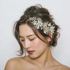 DVNCHI Design ビジューヘッドピース Lili 1246 (HDV014) Flower Crown Hairstyle, Crown Hairstyles, Wedding Hairstyles, Hair Pins, Bridal Hair, Short Hair Styles, Wedding Inspiration, Hair Beauty, Wedding Dresses