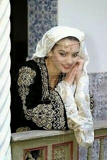 Algerian traditional clothing