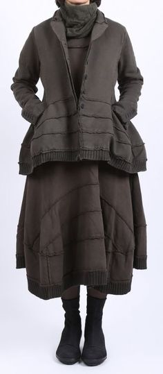 (1900s) retro DIY postprotest - rundholz black label - Ballonkleid mit Bahnen Sweater beluga - Winter 2016