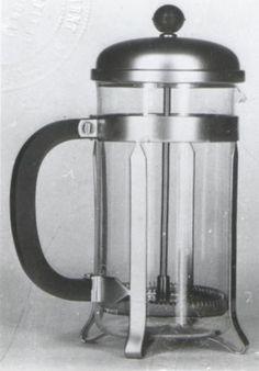 Numéro d'enregistrement : 100208 Date de dépôt : 1970-04-13Objet : Une cafetière  Déposant :  STE DES ANCIENS ETS MARTIN S.A. 82-84, rue du Dessous-des-Berges, Paris. Bulletin de publication : 1970-04