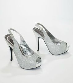 Perfect for a special event or night on the town, this peep toe will add glitz and glamour to any outfit! Style VICE4. #davidsbridal #shoes #weddings #aislestyle