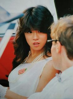 1980s Fashion Trends, Hongkong, Blue Lantern, Aesthetic Japan, Art Poses, Pop Idol, Beautiful Person, Japanese Fashion, Asian Beauty