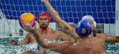 Olimpíada Rio - 2016. Jogo da seleção brasileira masculina de pólo aquático contra a equipe da Sérvia.  Fotografia: Laszlo Balogh / Reuters.