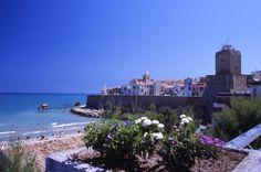 Termoli via Wikipedia // Italy's 5 Hidden Gems on happiestwhenexploring . com